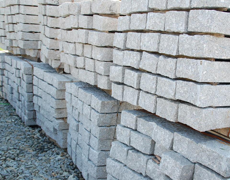 Leistensteine, Granit