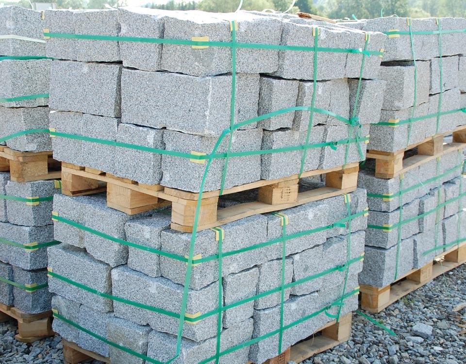 Mauersteine, Granit, maschinengespalten