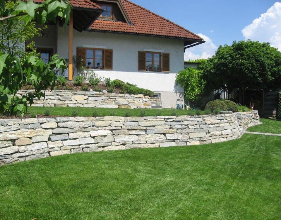 Mauerstein, Beola Gneis