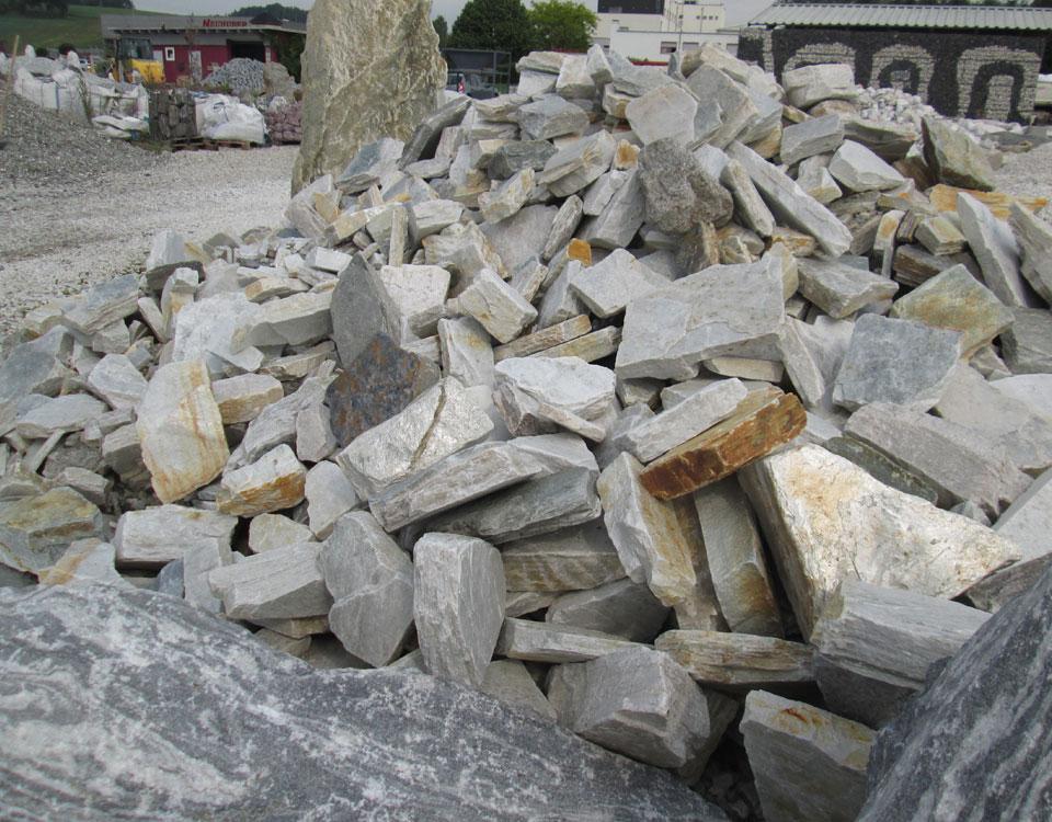 Mauersteine, Quarzit, silber